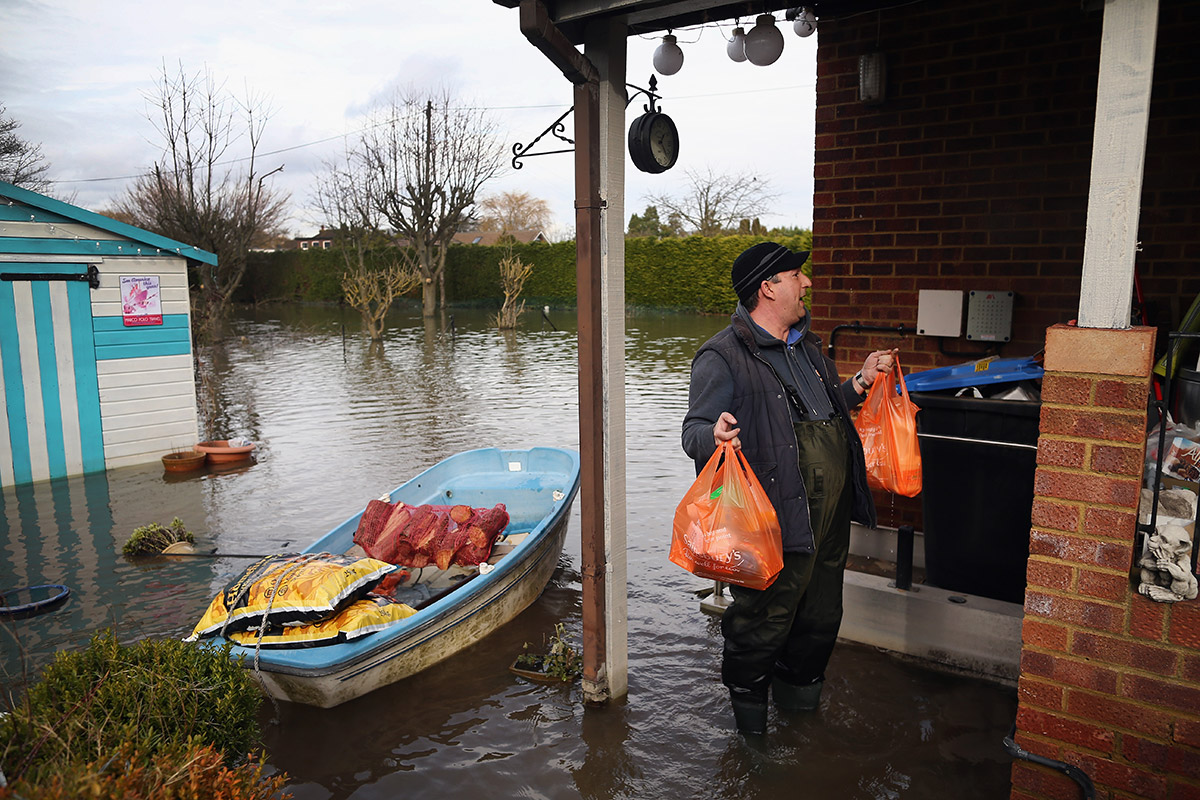 floods boat