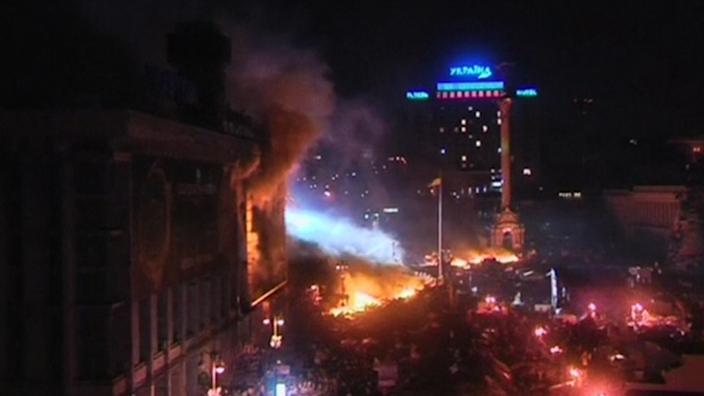 Kiev Erupts In Flames During Overnight Violence