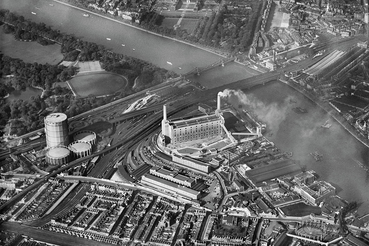 Battersea Power Station alongside the River Thames, Battersea, 1933