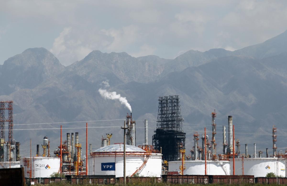 A refinery of petrol company YPF