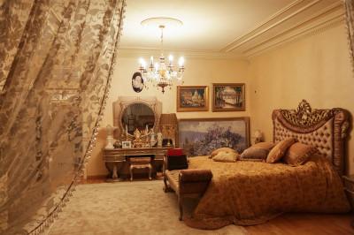 bedroom opulent