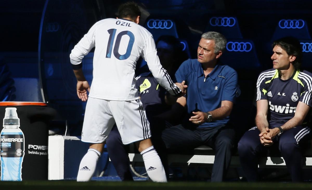 Mourinho wants Ozil's reunion at Chelsea