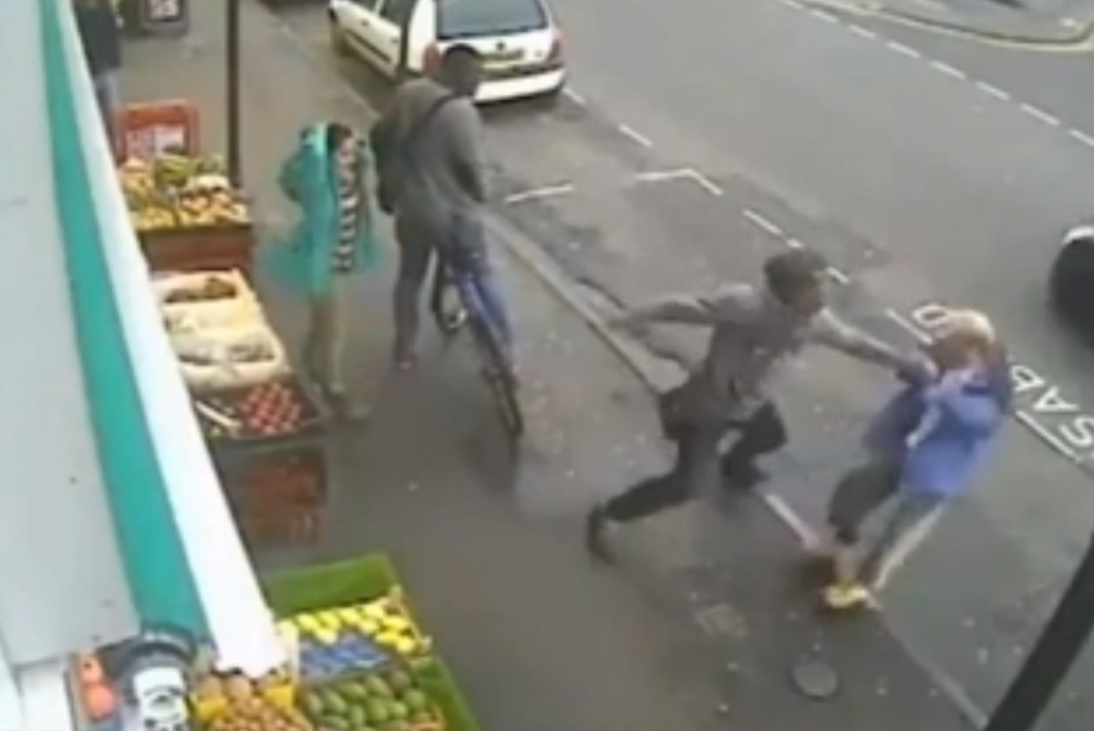 Man punches unsuspecting pedestrian to his death