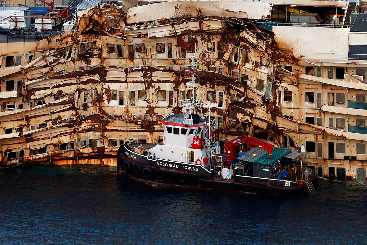 Costa Concordia 2012 Cruise Ship Disaster That Killed 32
