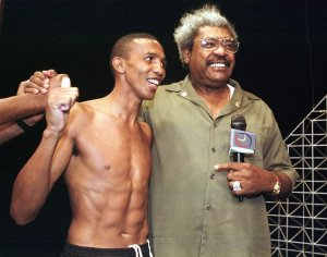 Venezuelan boxer Antonio Cermeno shot down in street in the capital of Caracas