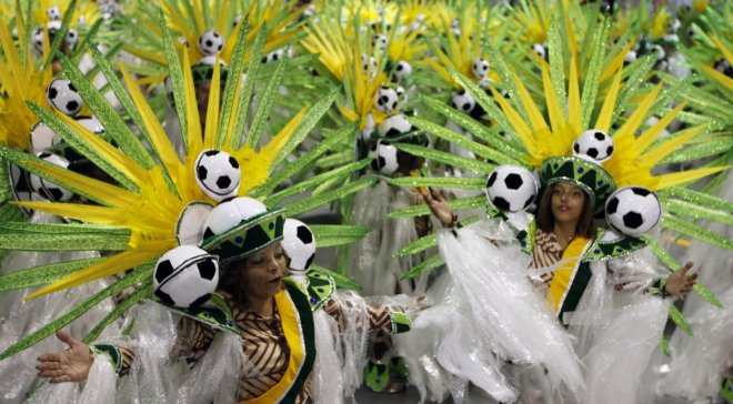 Revellers from the Leandoro de Itaquera samba school take part in the Special Group of the annual Carnival parade in Sao Paulo's Sambadrome February 28, 2014.