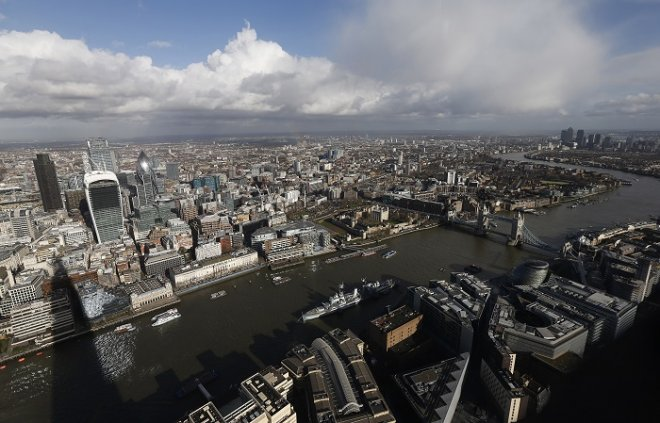 New flood defences along London's Thames River could be needed as early as 2030 because of rising sea levels.