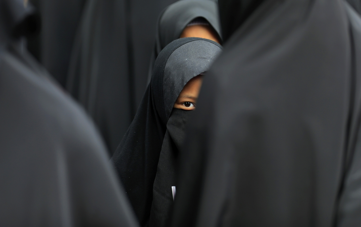 Muslim woman sues Michigan police for forcing her to remove hijab