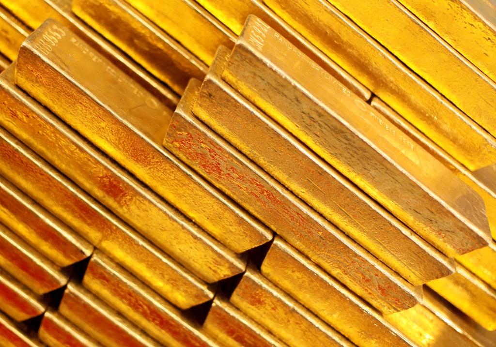 Gold prices surpass four-month high as Ukraine unrest boosts demand.