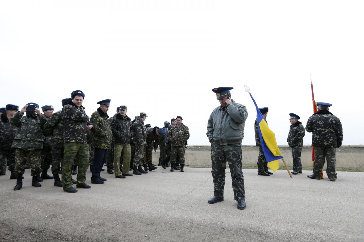 Ukraine Crimea Crisis, Belbek airport stand-off
