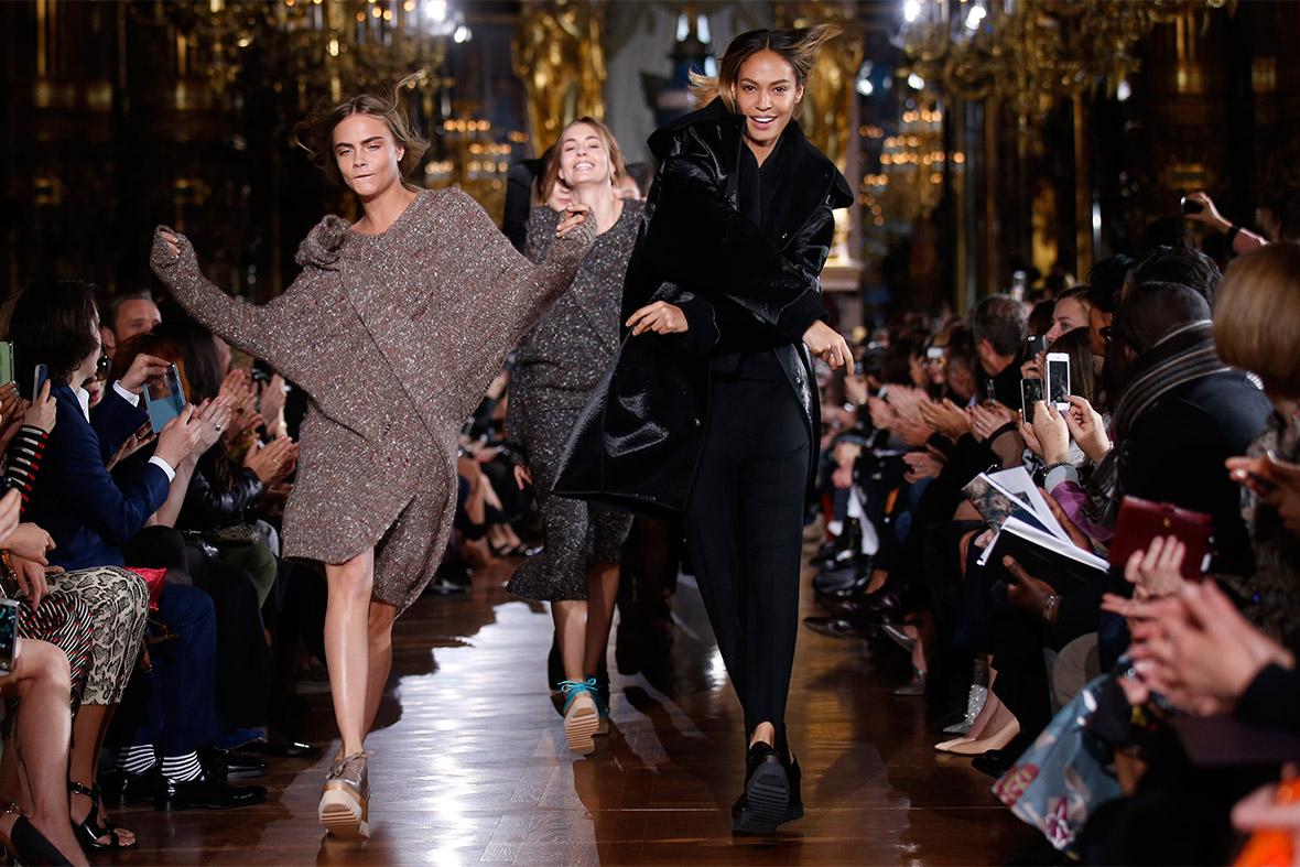 paris fashion carla