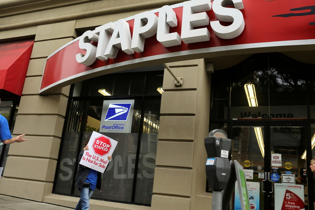 Staples' Stock Tumbles 10% After Company Unveils $500m Cost-Cutting Drive