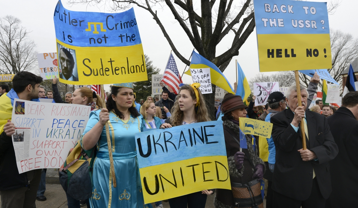 Ukraine Crisis: Obama Urges Diplomatic Solution but Putin Remains Defiant