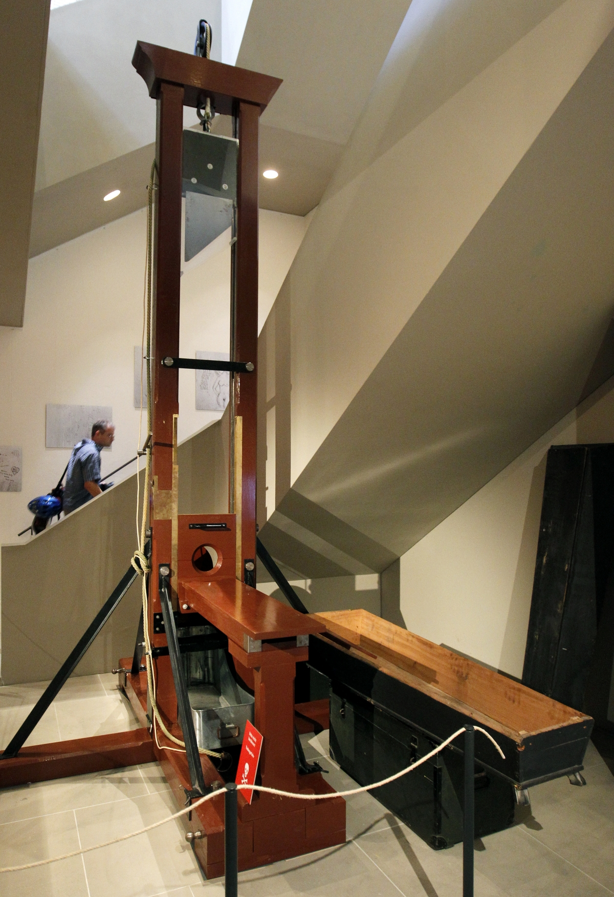 Reproduction of a guillotine in the Historiches Museum, Basel.