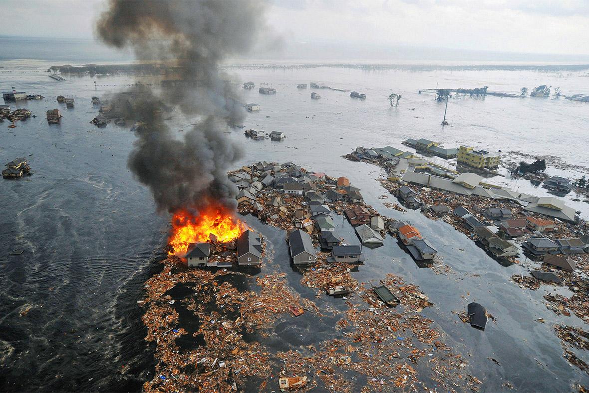tsunami houses burn
