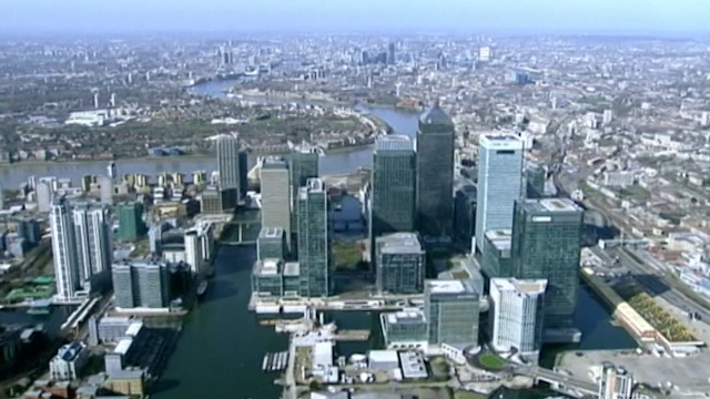 City of London Bankers Complain Bonuses Not Enough