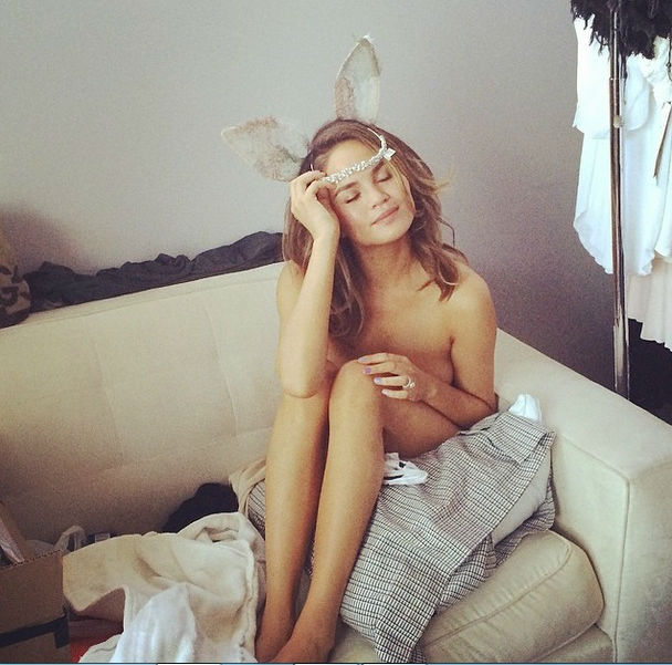 Chrissy Teigen Posts Naked Selfie on Instagram