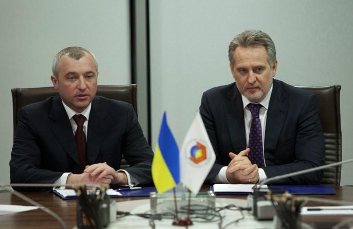 Chairman of the State Customs Service of Ukraine Igor Kaletnik and President of the Federation of Employers of Ukraine Dmitry Firtash