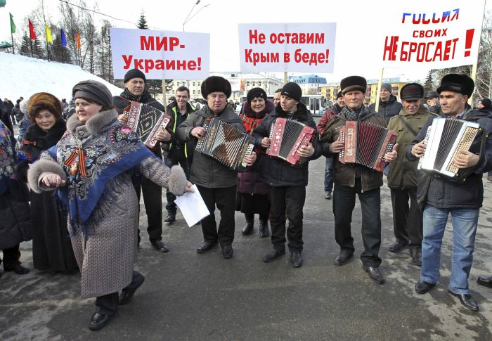 Crimea Prepares Referendum Stations