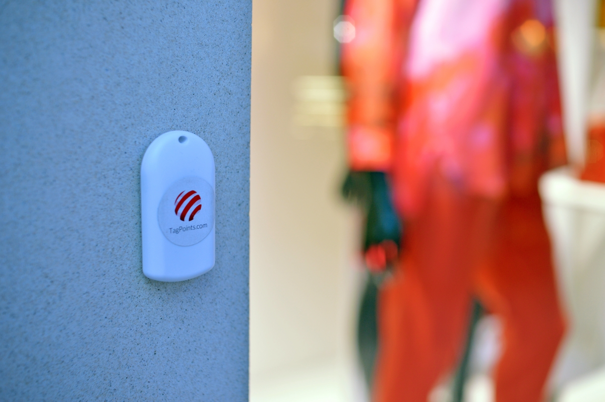 TagBeacon - a low-energy Bluetooth Beacon device that sends information to shoppers' smartphones