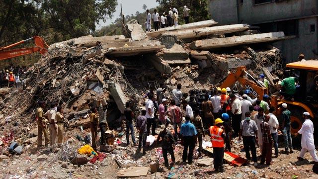 Amateur Video Captures Mumbai Building Collapsing