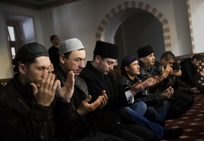 Crimea's Tatar Muslim have vowed to boycott Sunday's breakaway referendum amid uncertainty of how they would fare under Russian rule.