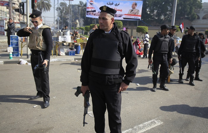 At least six Egyptian policemen were killed at a military checkpoint in Shubra al-Kheima, a suburb north of Cairo.
