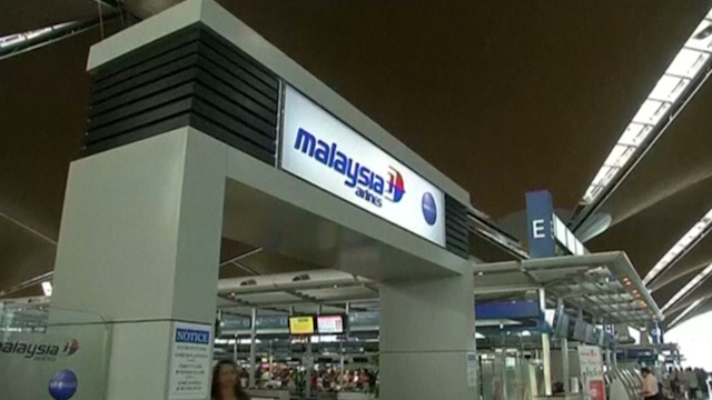Long-Time Friend Defends Malaysian Airlines Pilot