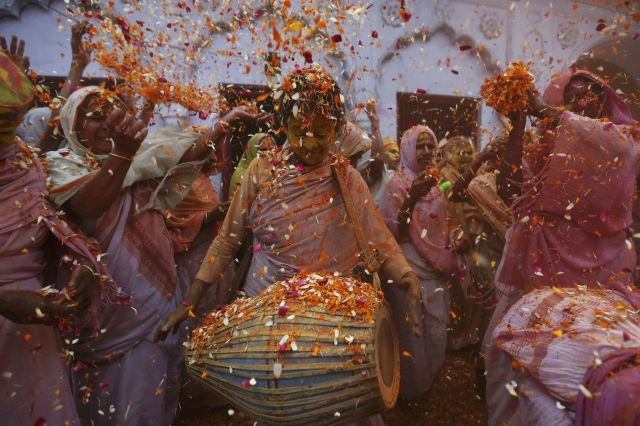 Holi Fervour Grips India with Colour and Music