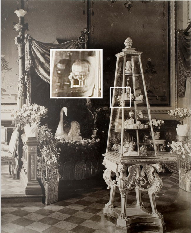 The Third Imperial Fabergé Easter Egg displayed among Marie Feodorovna's Fabergé treasures in the Von Dervis Mansion Exhibition, St. Petersburg, March 1902 .