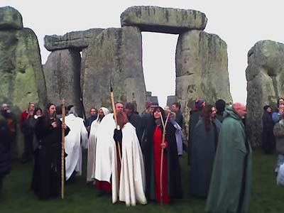 Spring Equinox: Druids and pagans gather at Stonehenge