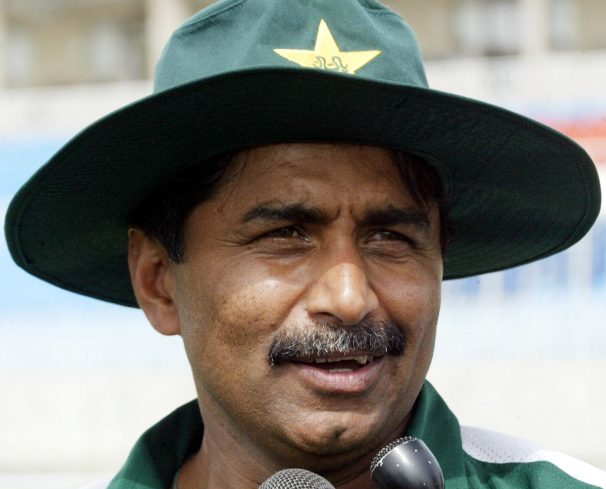 Americas Best Tire >> Javed Miandad lashes out at Pakistan Cricket Board over fitness camps ahead of England tour