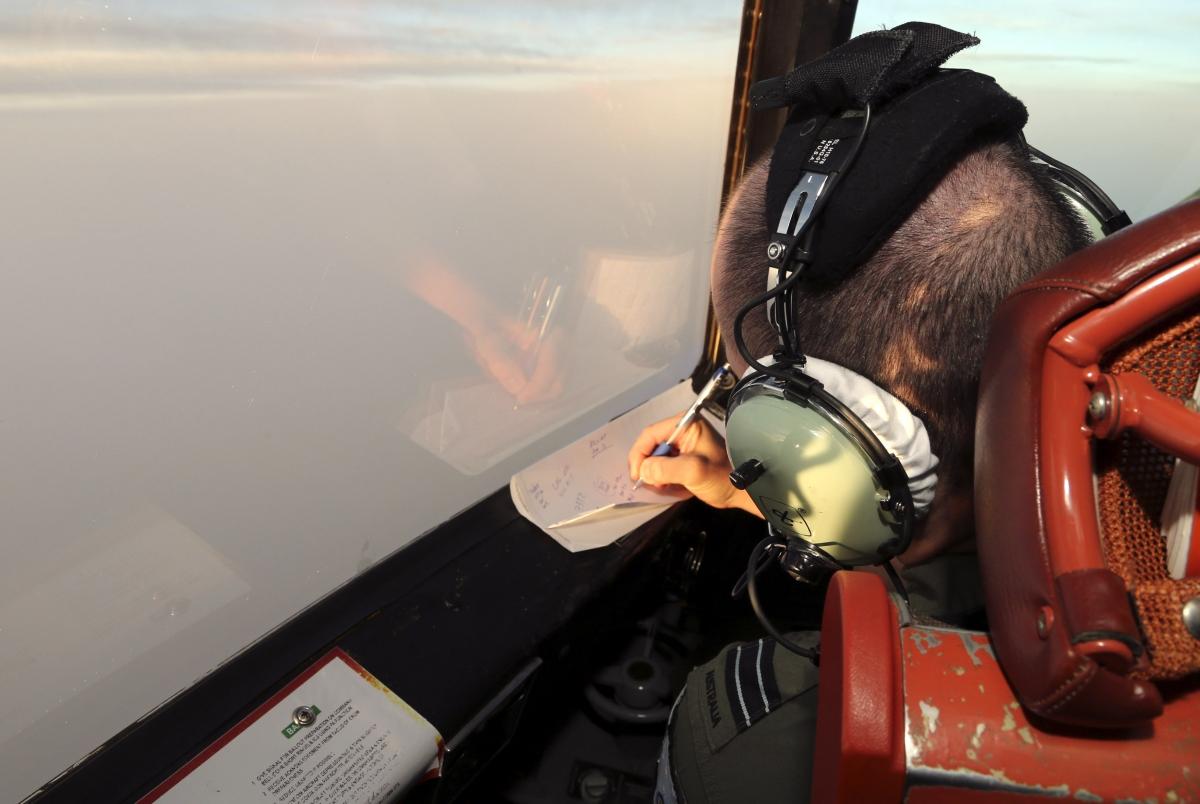 Malaysia AIrlines flight MH370 Indian Ocean debris hunt