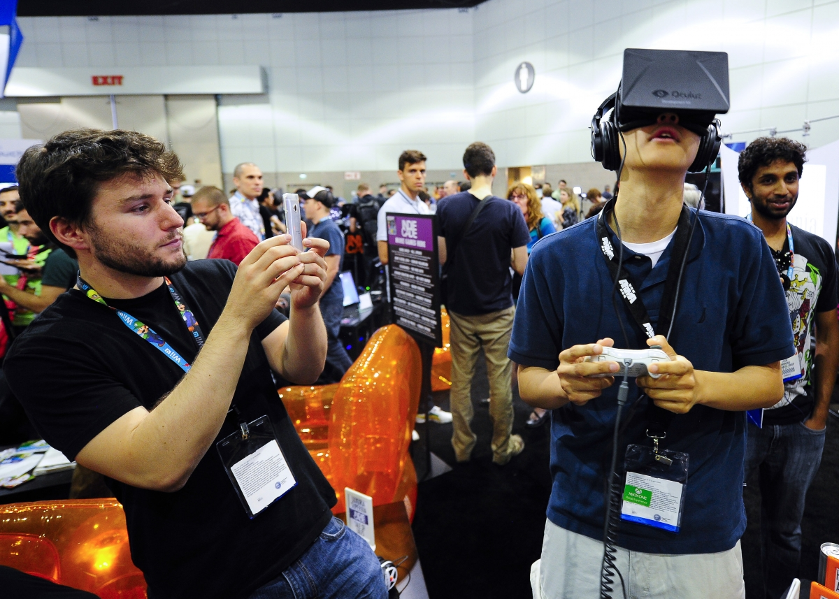 Facebook Buys Oculus Rift for $2 billion