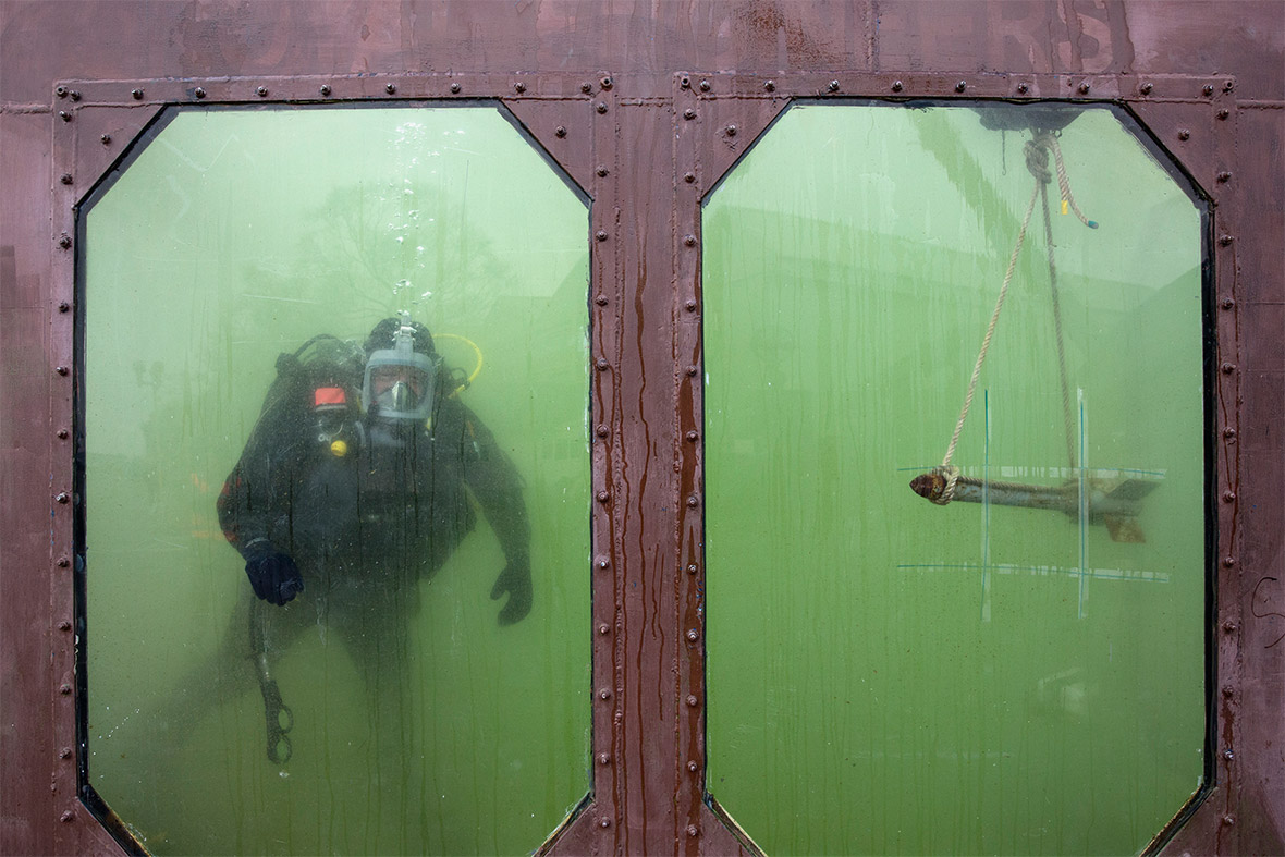 army diver