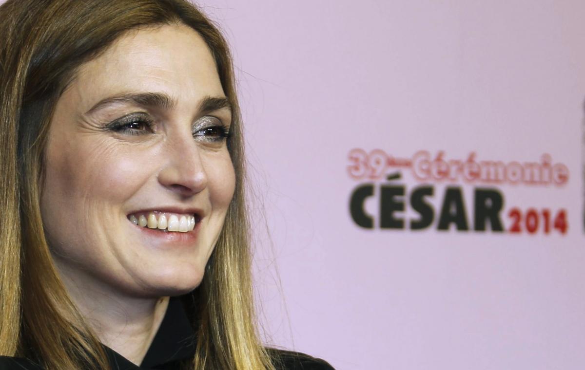 Closer To Pay €15,000 Julie Gayet President Hollande Love Affair Report