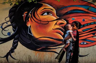 mother child graffiti