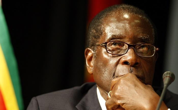 Zimbabwean President Robert Mugabe has threatened to boycott the upcoming EU-Africa summit if his wife is denied a visa.