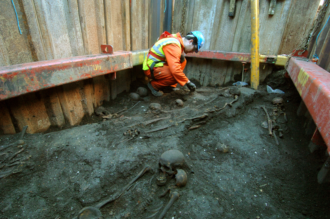3,000 skeletons found at the Bedlam burial ground at the Liverpool Street construction site