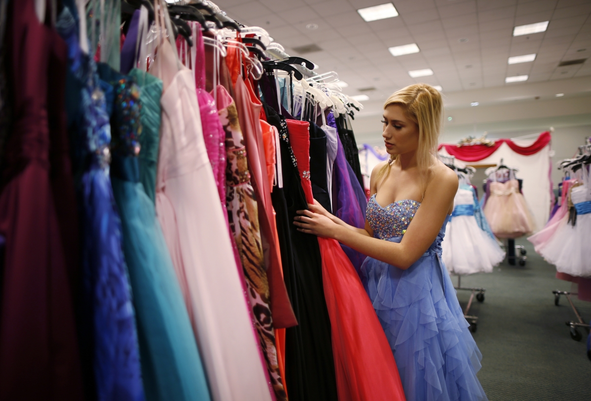 Glamour Gowns Event Lets Young Girls in LA Foster Care Live Their ...