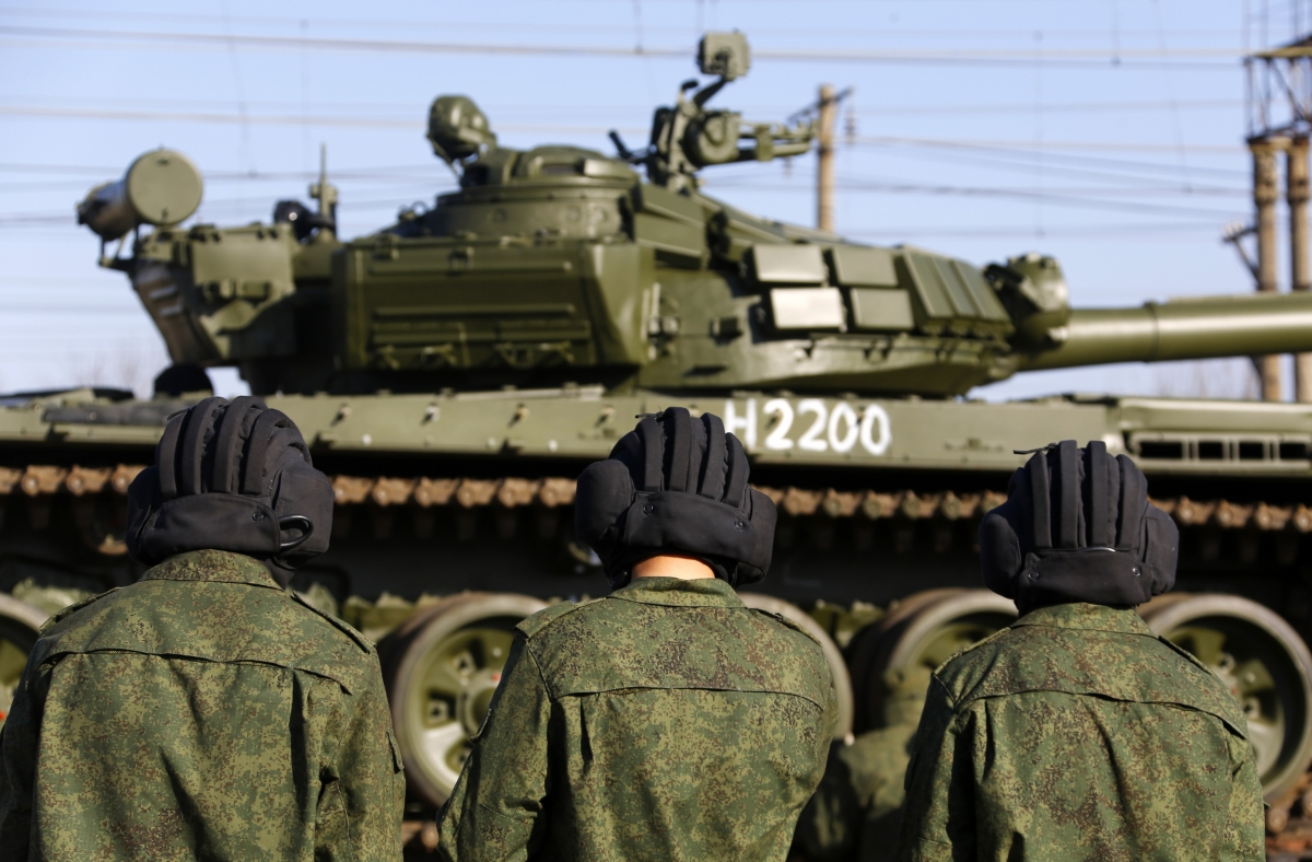 Russian tanks Crimea Ukraine Nato Troops