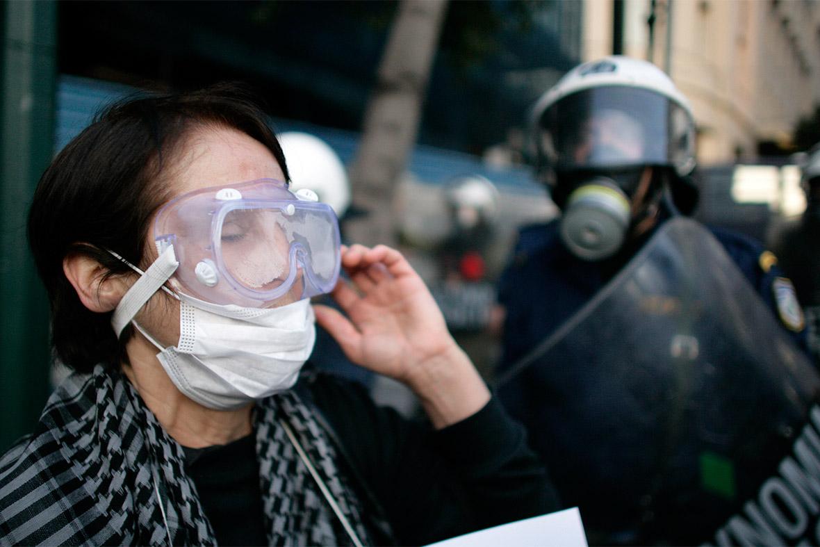 tear gas goggles