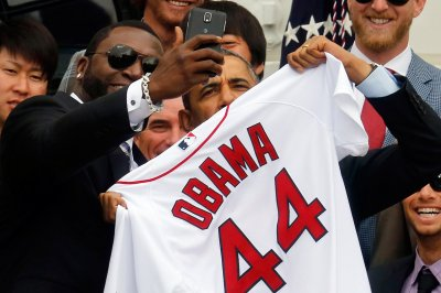 obama nba selfie