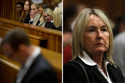 20140407 reeva steenkamp mother