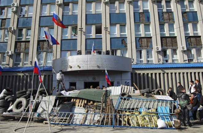 Luhansk Protesters People Leave Pro-Russia