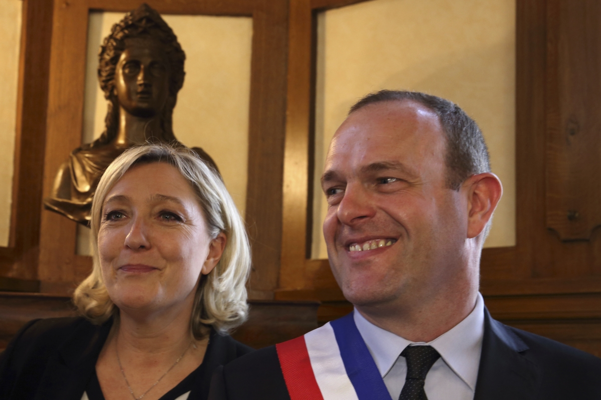 French National Front Mayor Steeve Briois Evicts Dreyfus Affair  human rights NGO