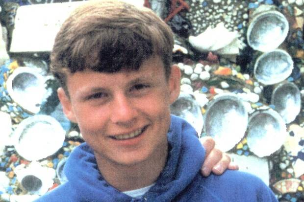 Four people, including one woman, are still being held over the disappearence of Lee Boxell in 1988