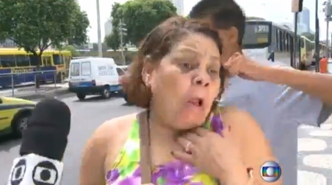 Video of Brazilian Woman Mugged on Rio de Janeiro TV while Discussing Crime