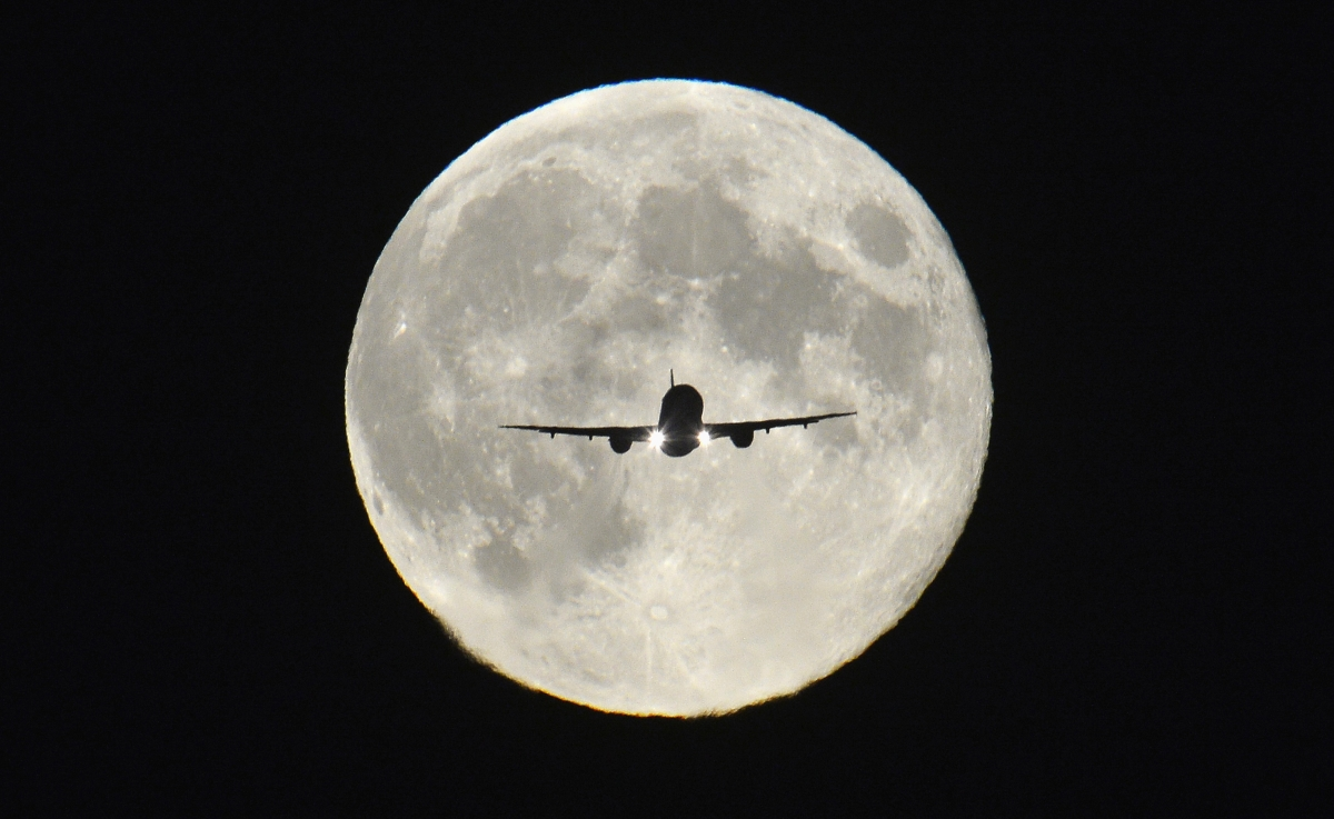 London City Airport 'Should Shut as it Makes No Economic Sense' says Think Tank