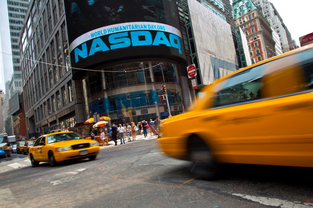 Nasdaq Composite Suffers Biggest Fall in Over Two Years